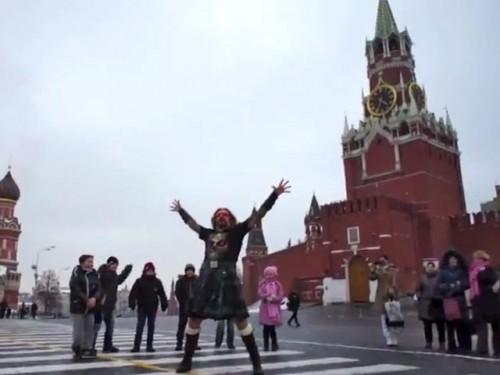Джигурда станцевал на Красной площади под Gangnam Style