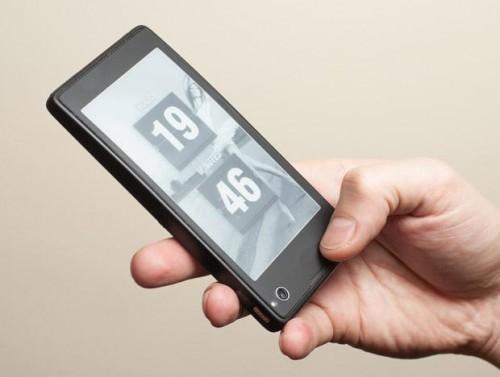 Первый российский смартфон с двумя экранами от Yota