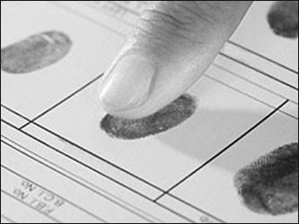 Россиянам предложили добровольно сдать отпечатки пальцев