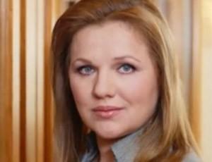 Следователи допрашивают экс-главу департамента имущества Минобороны Васильеву