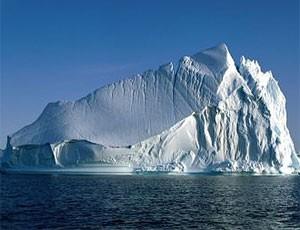 Ледник в Гренландии тает с угрожающей быстротой